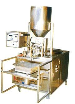 YIL-603 液體定量充填機(桶、瓶裝)
