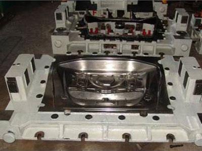 轿车冲压件模具